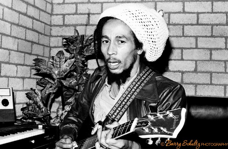 Bob Marley, live, ahoy hall, rotterdam, netherlands, barry schultz, backstage, weed, joint, guitar