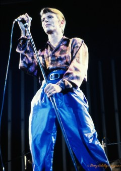 david bowie, barry schultz, ziggy stardust, diamond dogs, changes, heroes, lets dance, the man who sold the world, space oditty, young americans, live, eyepatch, posed, hunky dory, blackstar, classic rock photography, print, iconic, fine art, rebel rebel, suffragette city, queen bitch, under pressure, fashion, dancing in the street