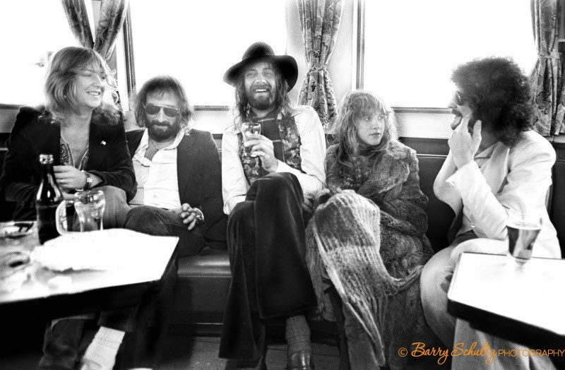 feetwood mac, stevie nicks, barry schultz, holland, netherlands, Christine McVie, Lindsey Buckingham, John McVie, live, rock and roll, posed, boat, rotterdam