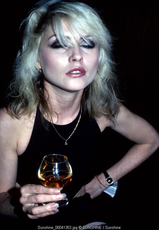 Debbie Harry, Blondie, drink, backstage