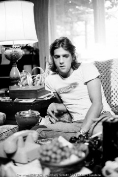 Glenn Frey of the band EAGLES at home in Los Angeles 1975.