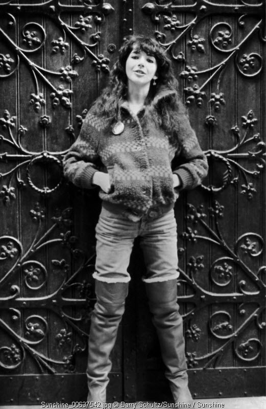 kate bush, barry schultz, holland, netherlands, amsterdam, carre, live, posed, cute, sweater