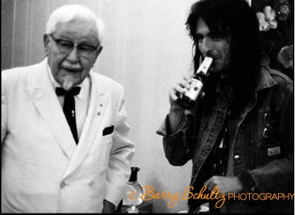 alice cooper, barry schultz, posed, live, Colonel Sanders, shock rock, school's out, i'm eighteen, halo of flies, no more mr nice guy, welcome to my nightmare, home, wife