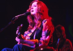 BONNIE RAITT live in concert Los Angeles Summer 1975