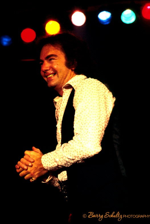 neil diamond, barry schultz, amsterdam, live, 1977, netherlands, vest, praying