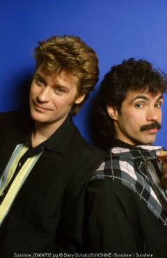 hall and oates, hall, oates, barry schultz, netherlands, holland, toppop, top, pop, live, hilversum, posed