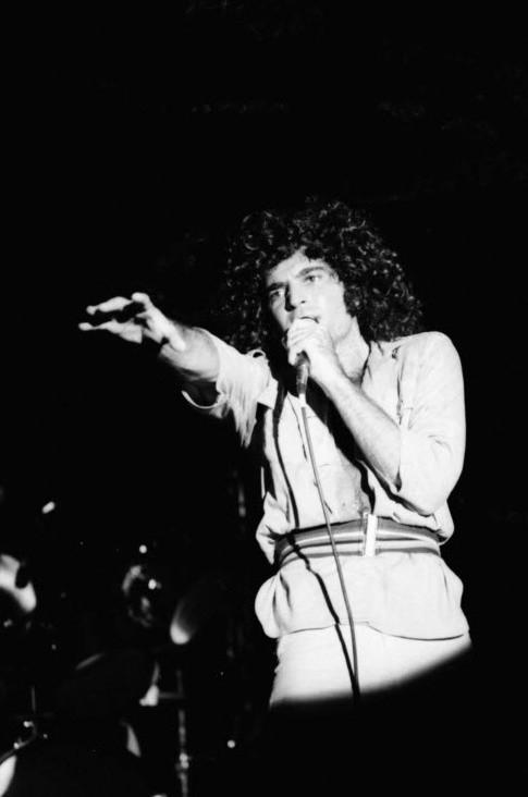 Gino Vannelli, live, troubadour, LA, los angeles, 1975, netherlands, barry schultz
