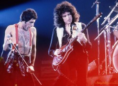 queen, barry schultz, freddie mercury, brian may, bohemian rhapsody, we will rock you, we are the champions, another one bites the dust, roger taylor, john deacon, red special, don't stop me now, live