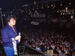 andre hazes, barry schultz, wife, kiss, home, candid, netherlands, holland, music, live, crowd,