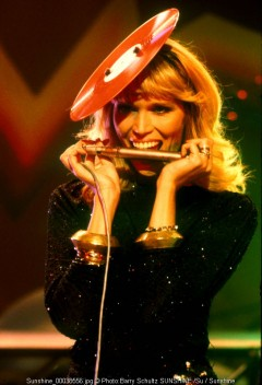 amanda lear, barry schultz, top pop, tv, live, netherlands, hilversum, holland, record, bite