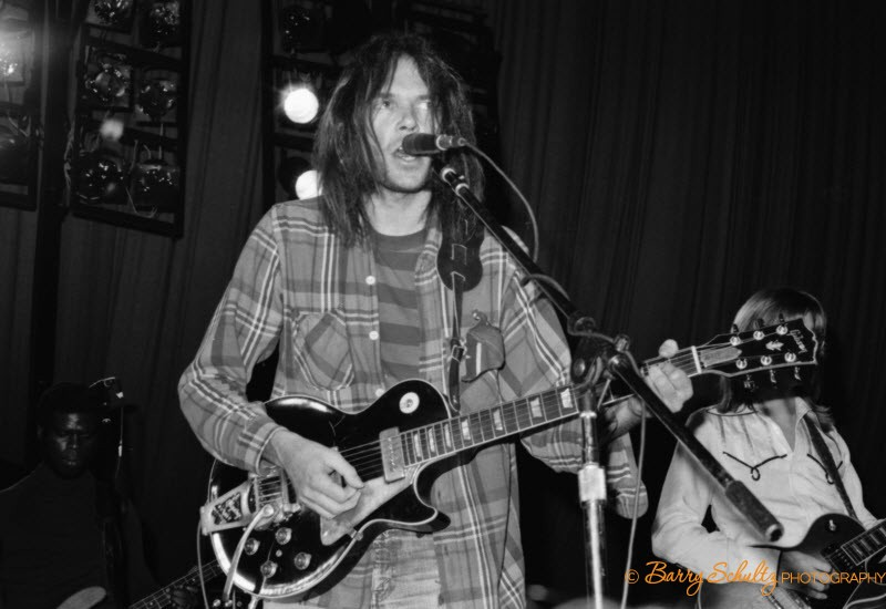 Neil Young, Barry Schultz, crosby, stills, nash, young, 70s, 60s, rock, roll, folk, guitar, live, amsterdam, netherlands