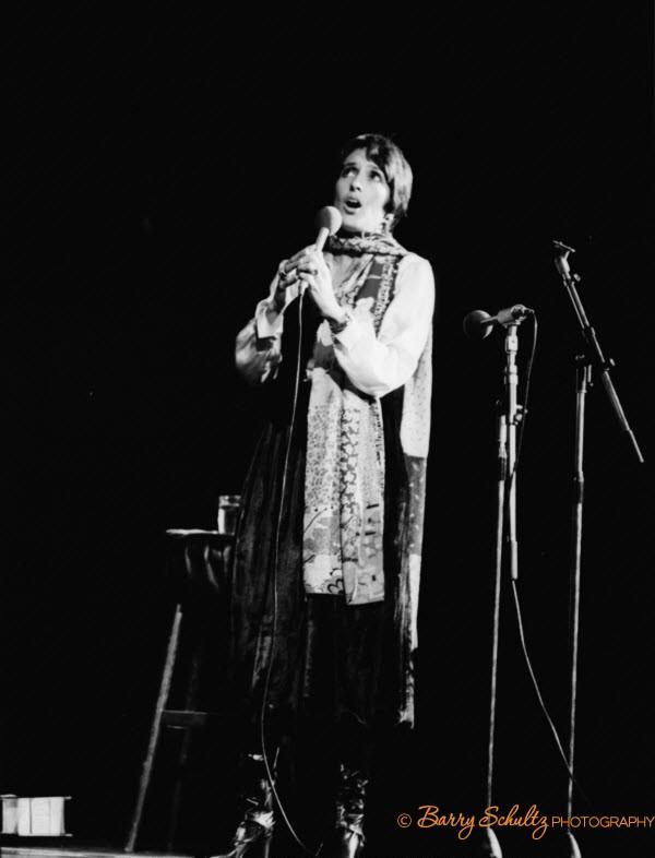 joan baez, barry schultz, folk, browne, carpenter, donovan, bob dylan, grateful dead, seeger, paul simon, LA, amsterdam, netherlands, holland, 70s, 80s, live, singer, hippie, morricone, MGSV, latin